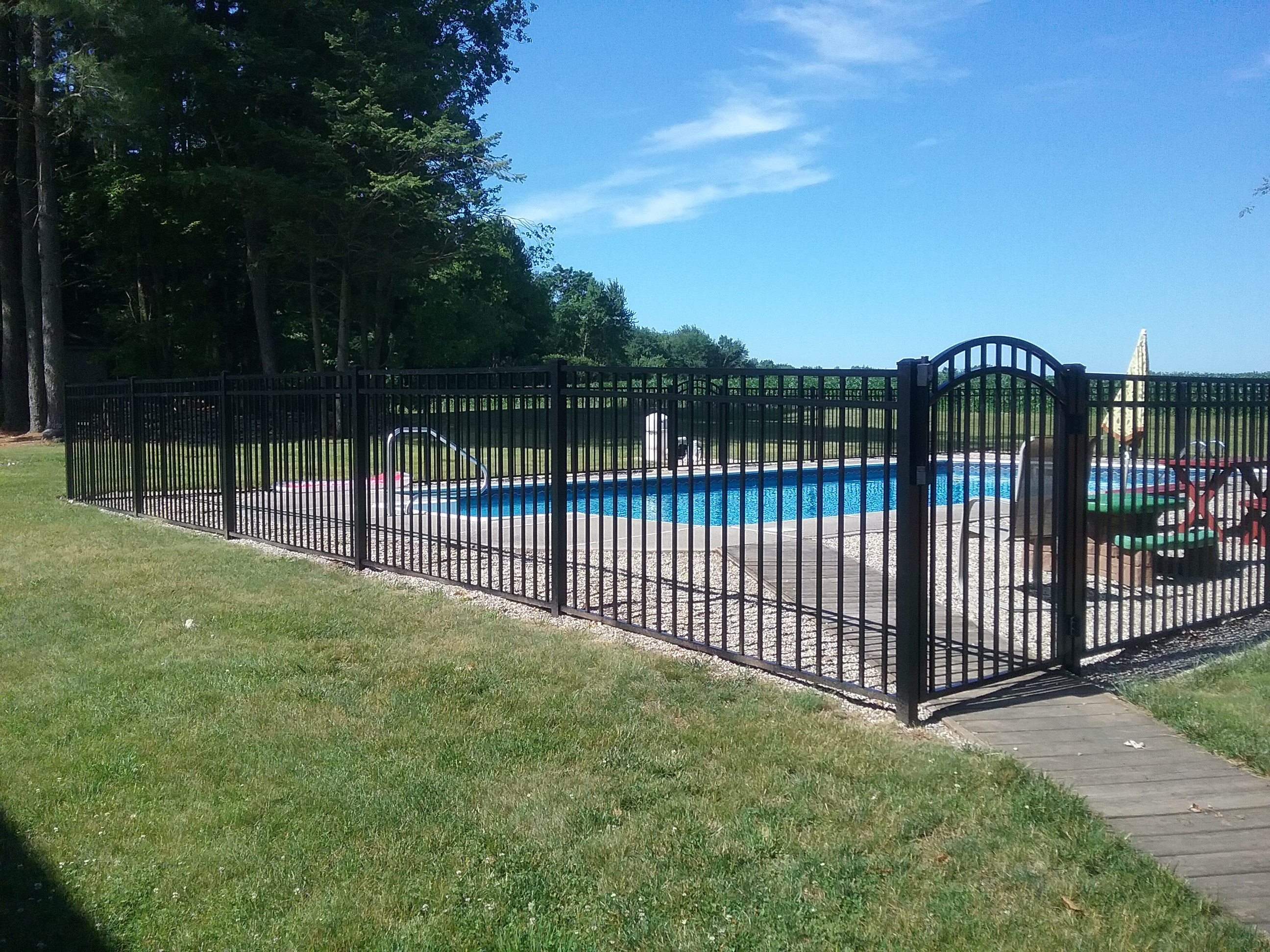 Finding The Right Fencing Installations For Outdoor Pools Fence It In