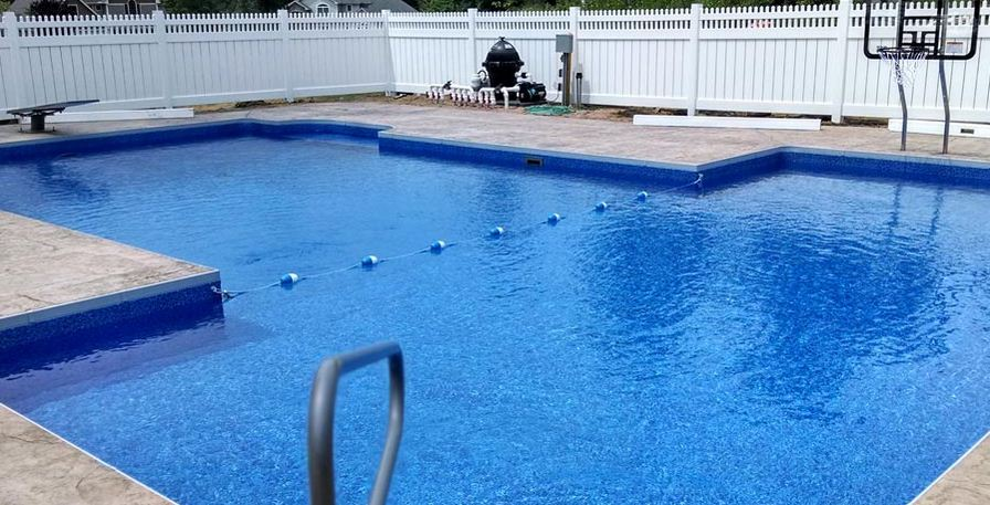 Fence for swimming pool